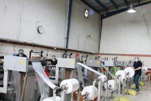 بازدید فرماندار شهریار از شرکت تولیدی دستکش یکبار مصرف