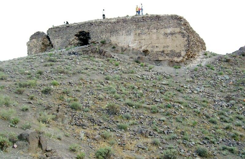 کوه تخت رستم شهریار در آستانه ی ثبت آثار تاریخی کشور